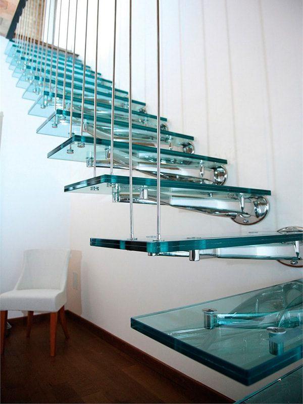 Воздушная конструкция лестницы