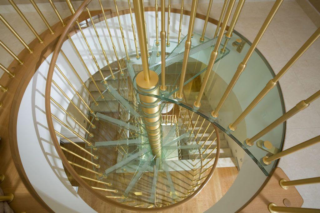 Лестницы из алюминия и стекла