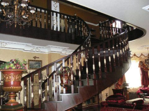 Деревянная спиральная лестница