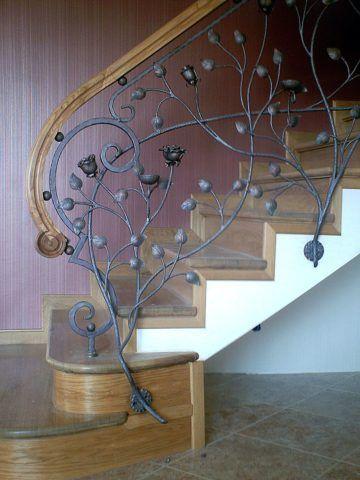 Деревянные и металлические лестницы