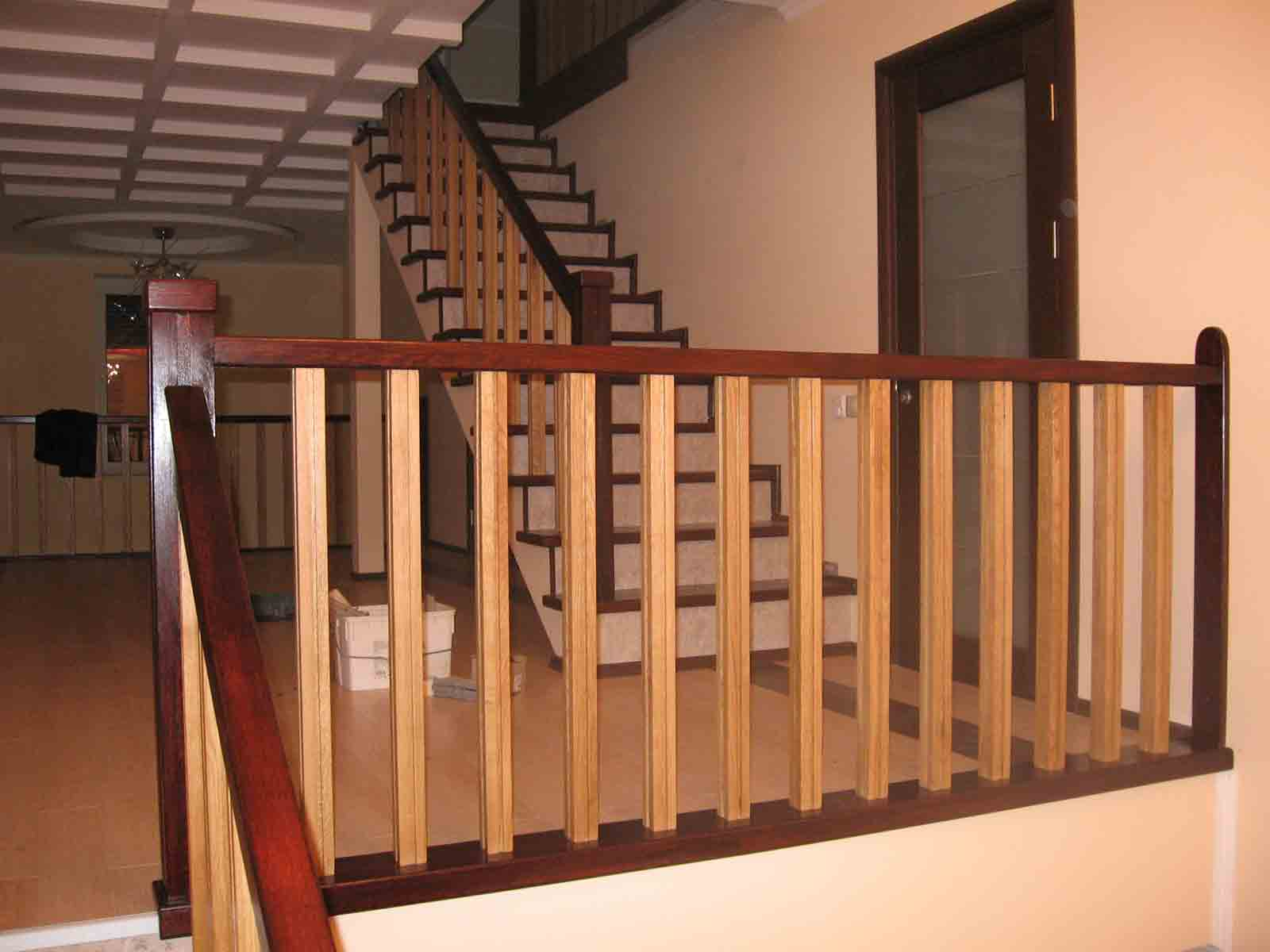 Балясины для лестниц: установка и крепление, фото, советы
