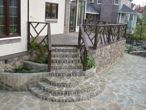Камень в отделке крыльца и ступеней из клинкера