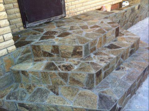 Каменная мозаика для ступеней