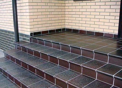 Керамогранитные ступени для крыльца из плитки