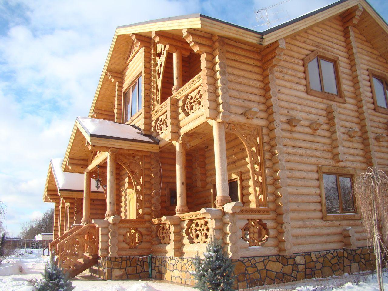 Постройка дома из дерева