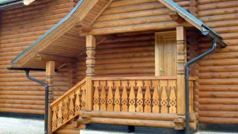 Крыльцо деревянное с козырьком