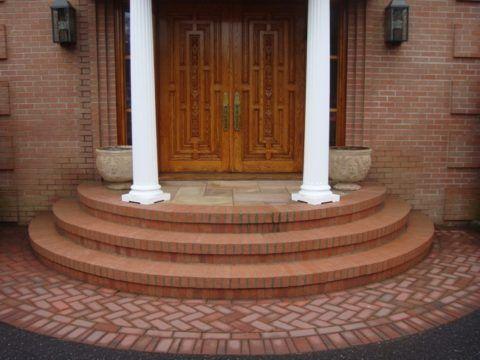 Крыльцо для частного дома бетонное полукруглое