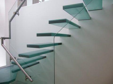 Матовые ступени для лестницы