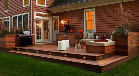 Отделка фасада дома и террасы древесно-композитными изделиями