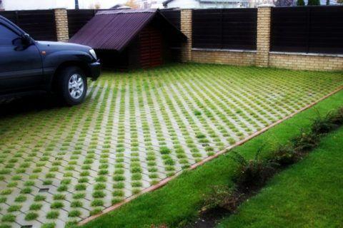 Парковка на газоне – практичное и эстетичное решение