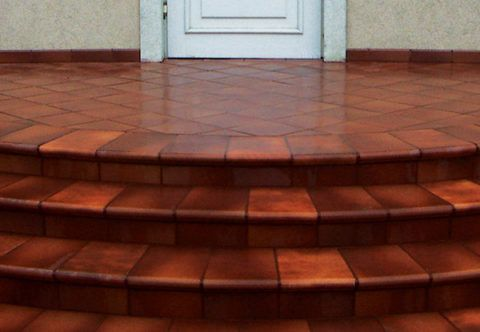 Плитка для круглых ступеней крыльца из глазурованного керамогранита