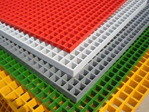 Решетчатый настил из стеклопластика, может использоваться как накладные проступи