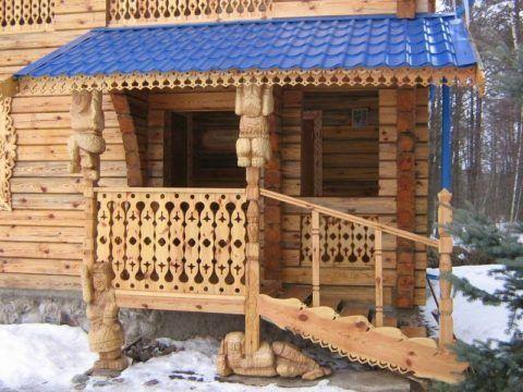 Резное деревянное крыльцо и навес