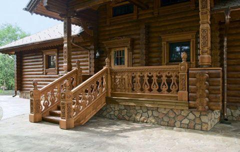 Резной декор, содержащий элементы русских традиций