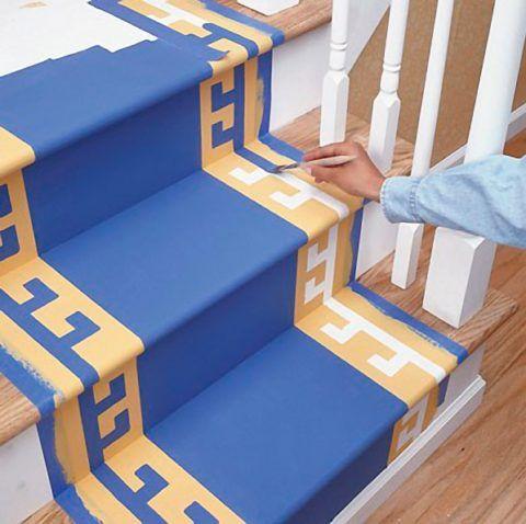 Цветная деревянная лестница