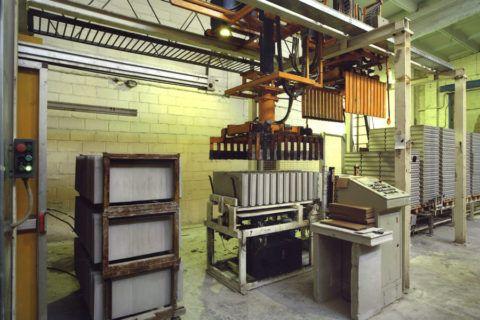 Установка для производства пазогребневых блоков методом литья
