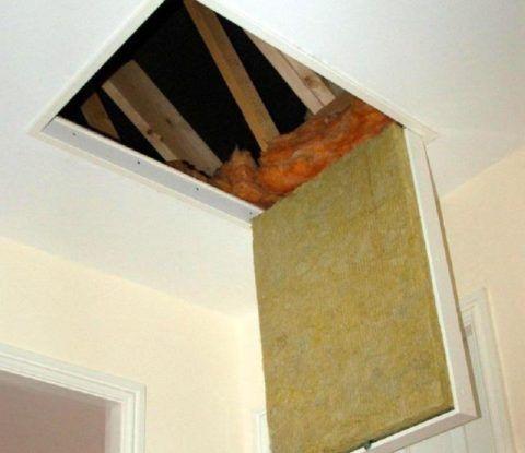 Утепленный люк с лестницей на чердак с прокладкой из минваты
