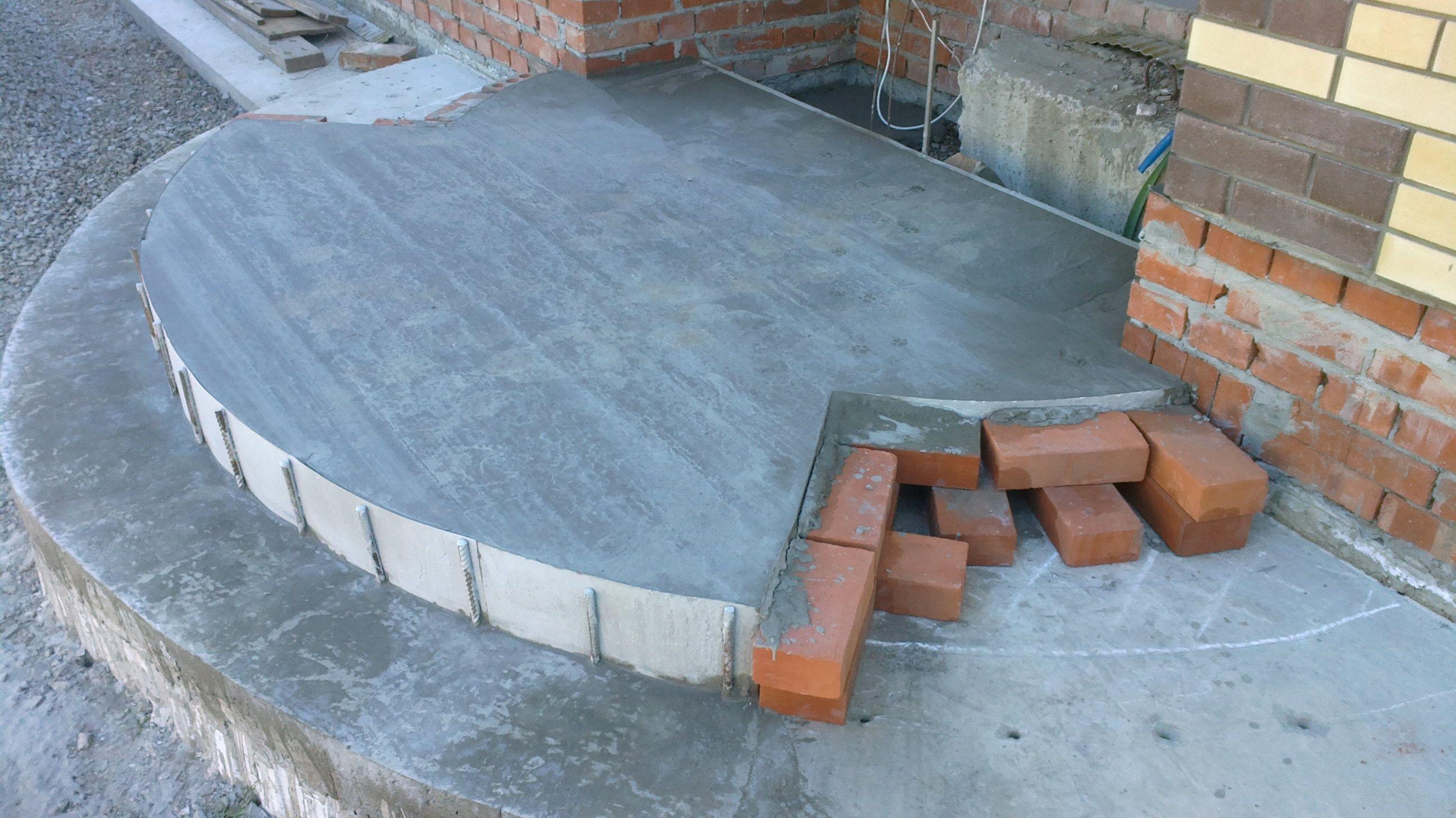 Как сделать крыльцо из бетона полукруглый