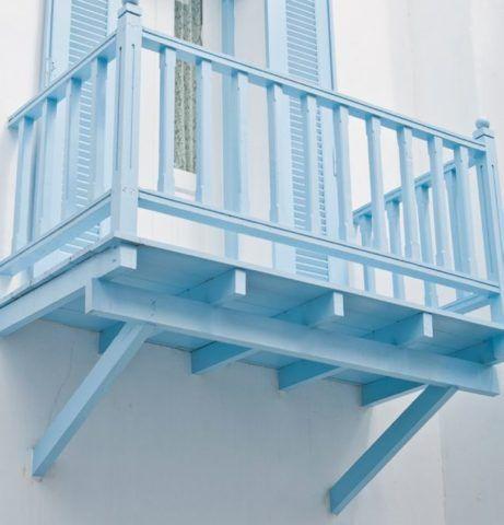 Балкон на треугольных опорах
