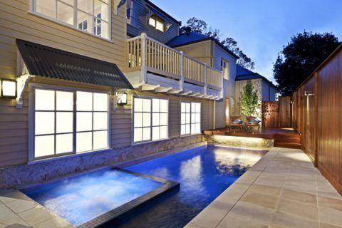 Балкон в частном домовладении – это красота, удобство, роскошь