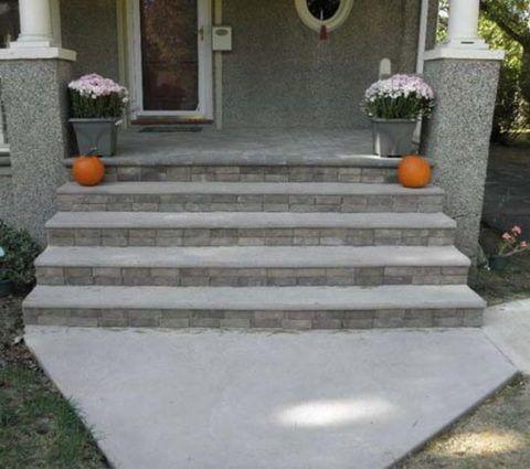 Бетонная плитка на ступенях