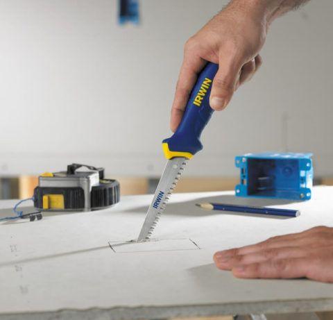 Детали сложной формы выпиливаются ножовкой или электролобзиком