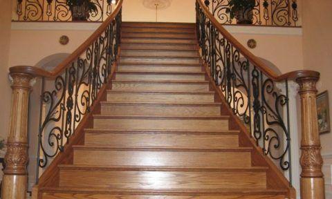 Дизaйн интерьерa: деревянные лестницы с комбинированными перилами