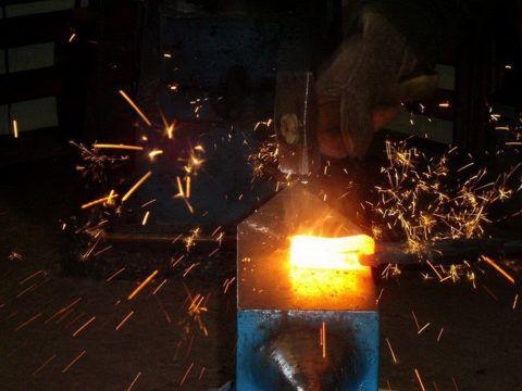 Для разных металлов необходима своя температура разогрева