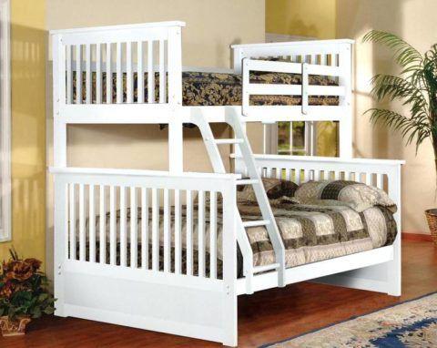 Двух спальная кровать под лестницей