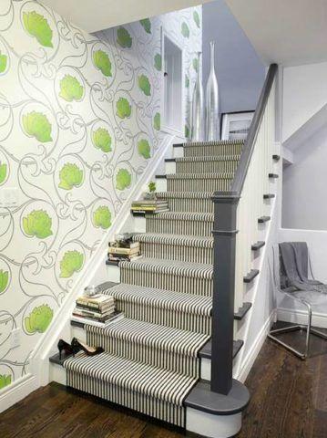 Эмаль серого цвета в отделке лестницы