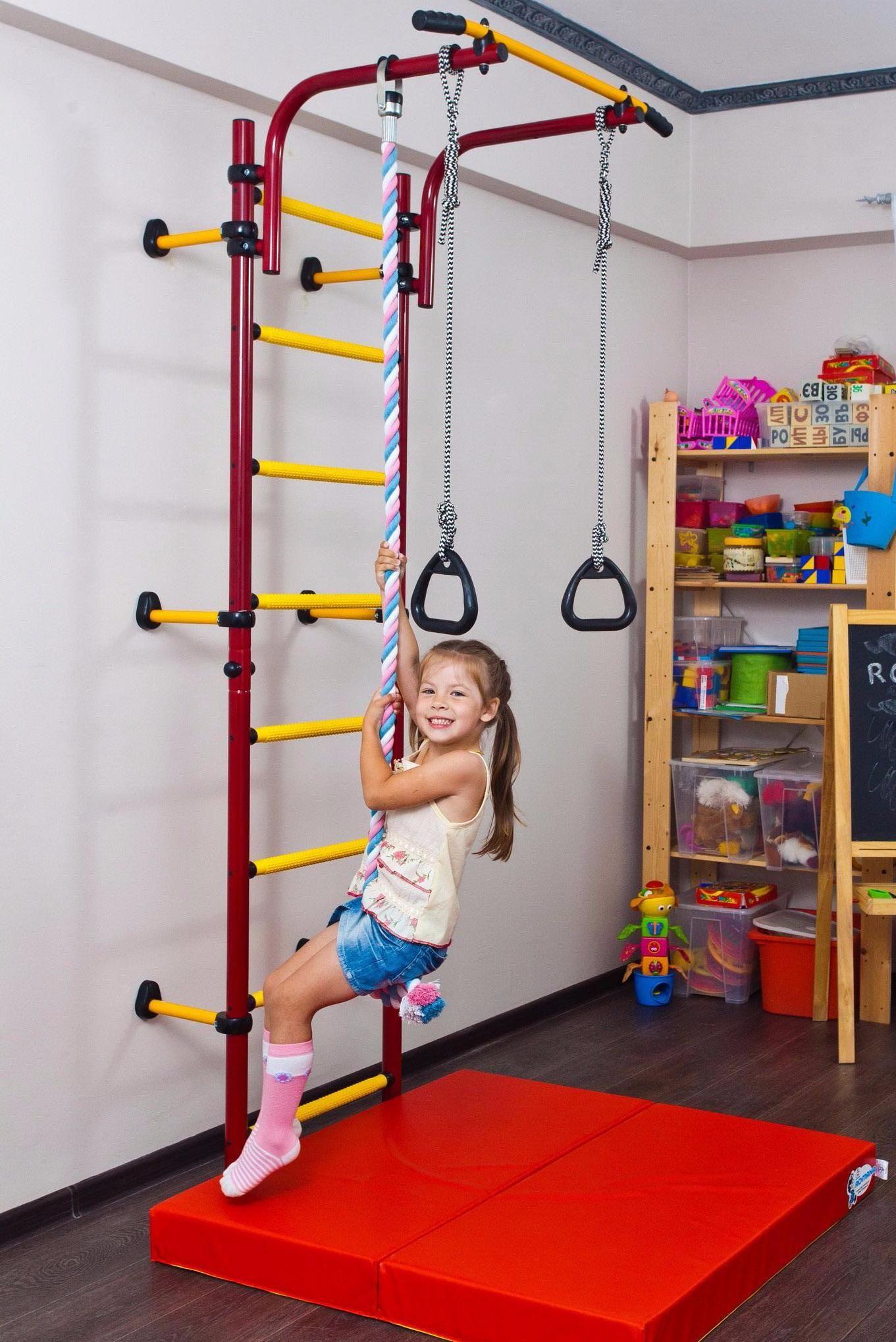 Спортивный детский уголок в комнату