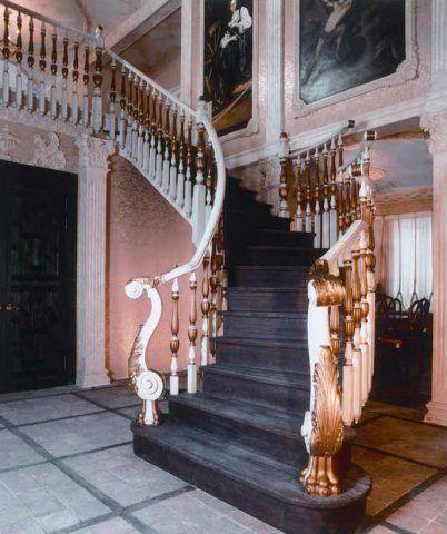 Интерьеры лестницы из дерева, стиль ренессанс