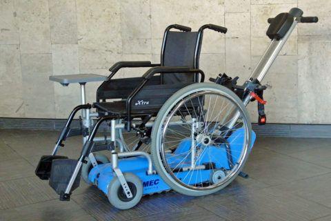 Инвалидное кресло на гусеничном подъемнике