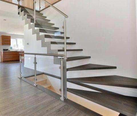 Комбинирование натуральной древесины, металла и стекла