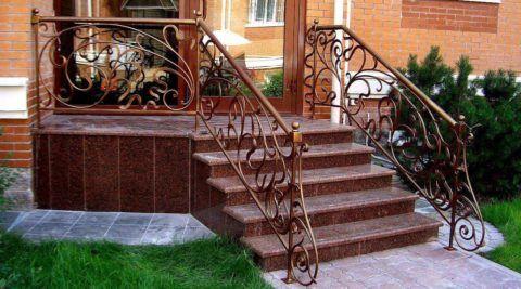 Комбинированные лестницы для крыльца