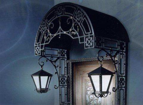 Козырек со светильниками