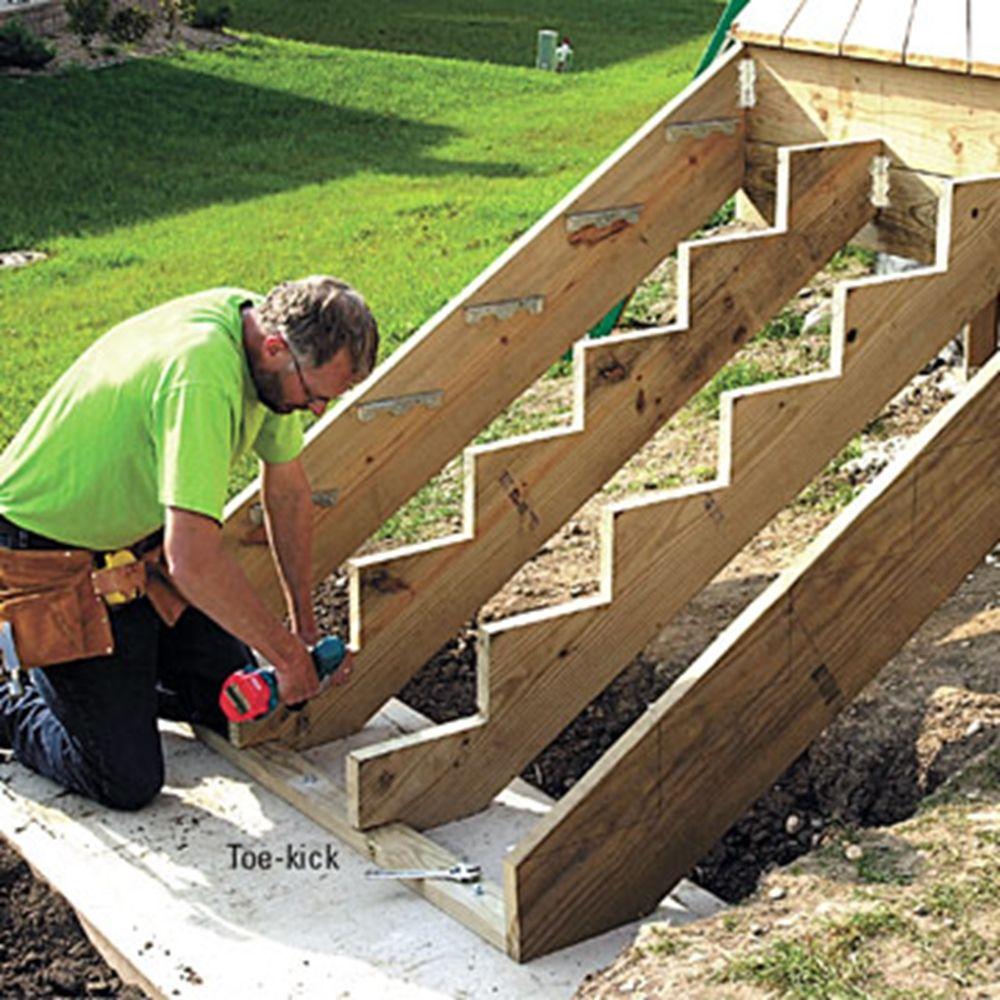 Как сделать лестницу к дачному домику 33