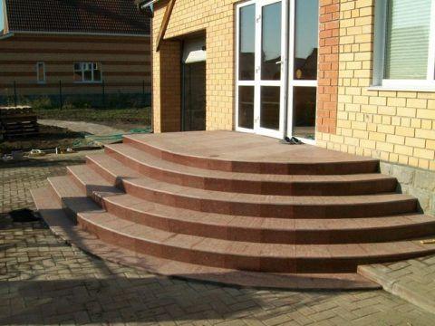 Крыльцо бетонное полукруглое
