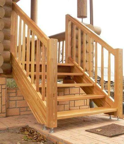 Лестница должна иметь точки опоры вверху и внизу