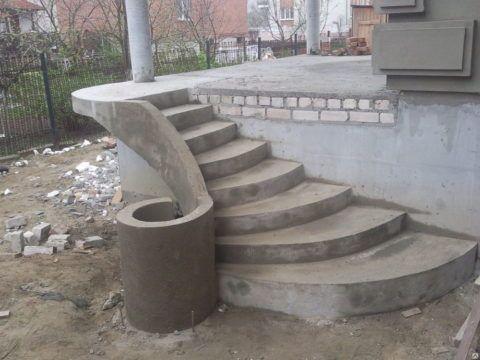 Лестница оригинальной конструкции