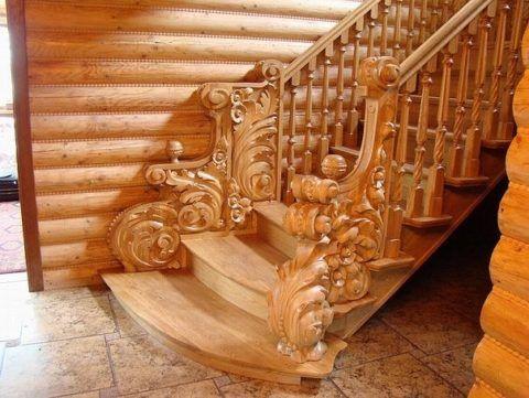 Лестницы деревянные: интерьер загородного дома