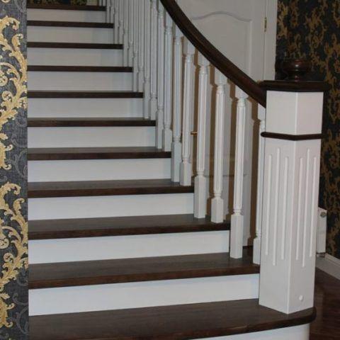 Лестницы с дубовыми ступенями