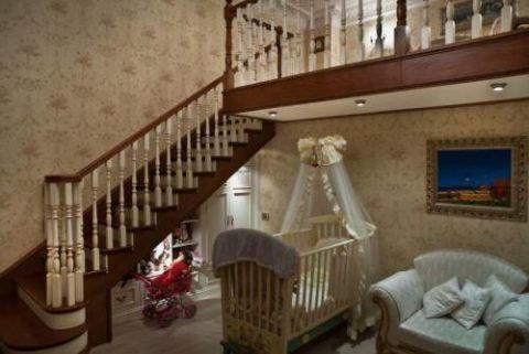 Лестницы в интерьерах деревянных домов