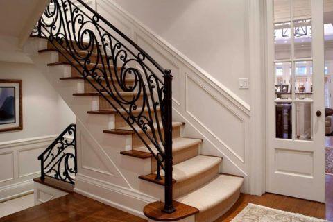 Маршевая классическая лестница