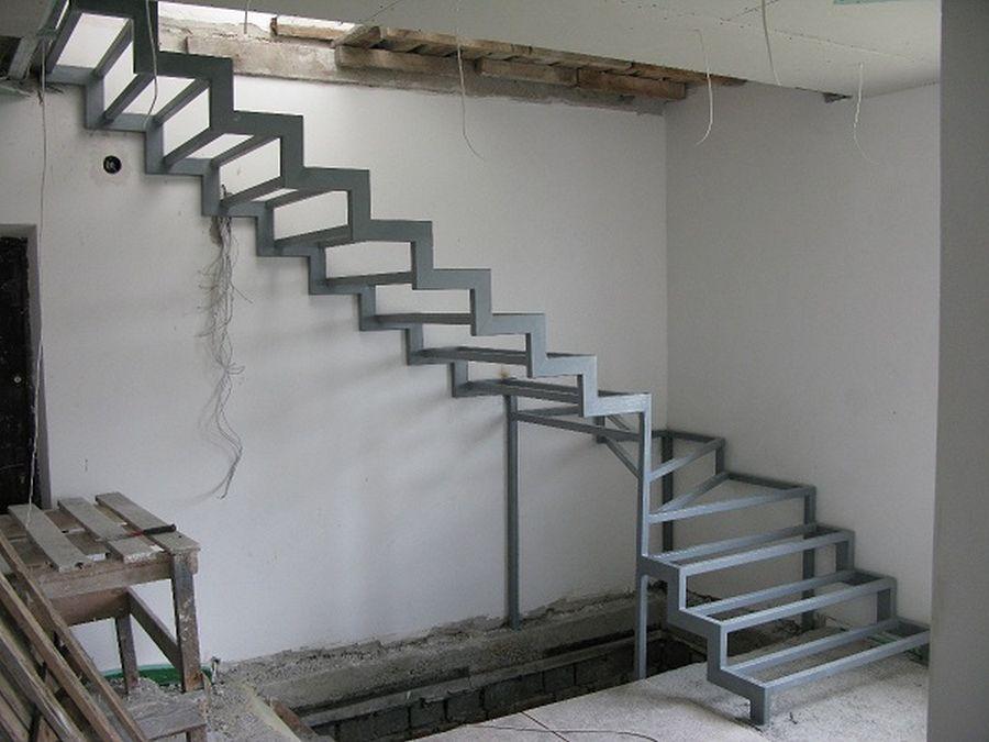 Металлическая лестница сделана своими руками на