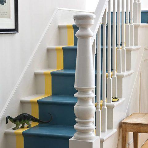 Окрашивание лестницы в яркие цвета