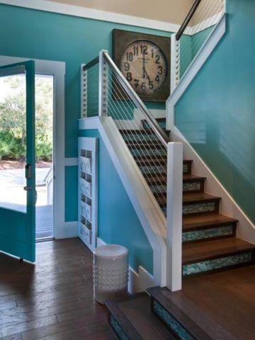 Окрашивание лестницы в яркий цвет