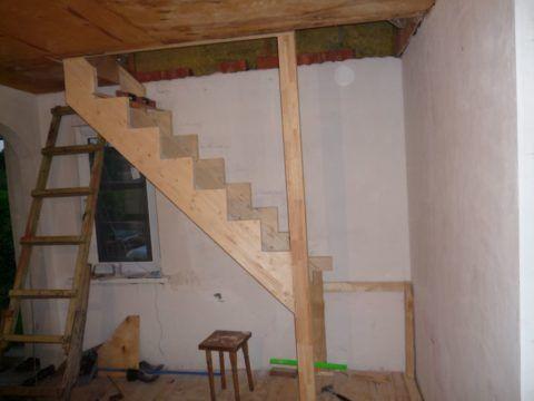 Основной каркас лестницы установлен