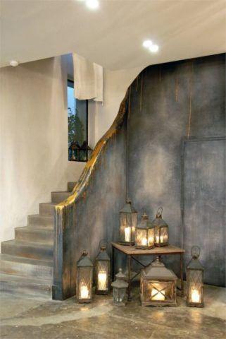 Освещение лестницы – дизайн всего помещения диктуют светильники