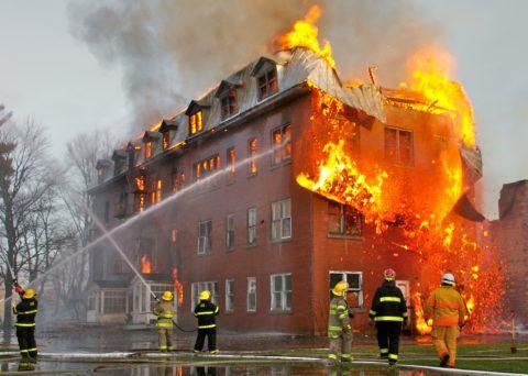 От такого пожара может спасти только наружная маршевая лестница